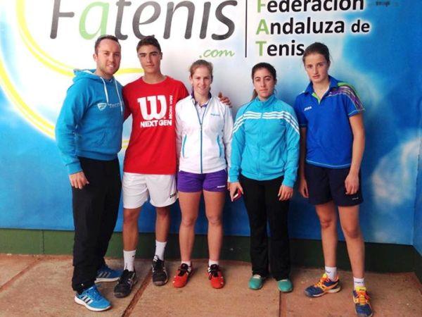Mike Lunt con Julien Bodin Alba Pedrero Maria Canton y Ana Canovas