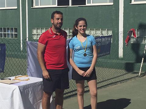 Ester Martinez campeona nuevo nivel tenis Club Cordillera